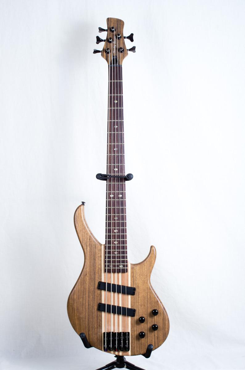 harley benton thomann hbz 2005 5 string bass guitar. Black Bedroom Furniture Sets. Home Design Ideas
